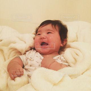 笑顔の乳児 - No.794259