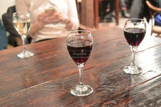 忘年会でワイン - No.927982