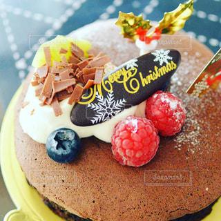 皿の上のケーキの一部 - No.931409