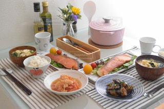 恋人同士の食卓の写真・画像素材[1509104]