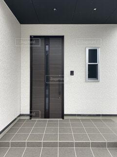 玄関ドアの写真・画像素材[4148836]