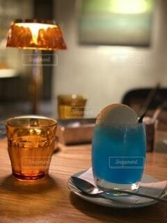 青いクリームソーダの写真・画像素材[4137425]