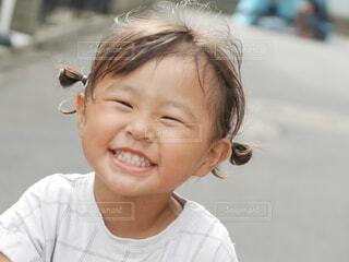 笑顔の女の子の写真・画像素材[4149463]