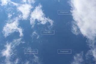 青空と白い雲の写真・画像素材[4146641]
