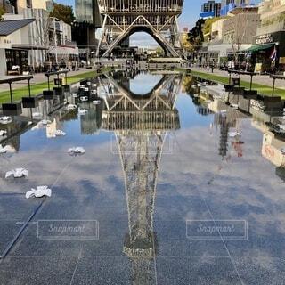 水盤に映える名古屋テレビ塔の写真・画像素材[4152079]