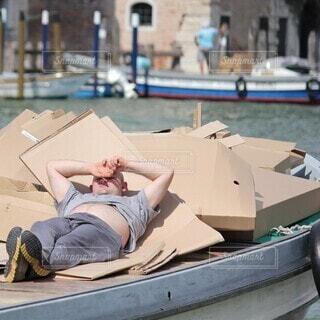 ヴェネツィアのくつろぎおじさんの写真・画像素材[4153908]