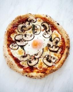 焼きたてピザの写真・画像素材[4152450]