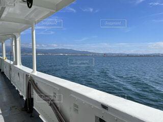 水の体の大きなボートの写真・画像素材[4872196]