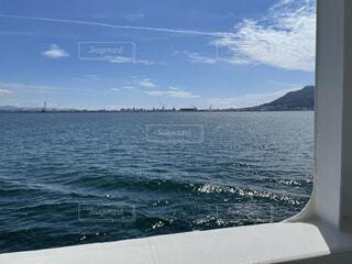 海の隣に水の体の写真・画像素材[4872199]