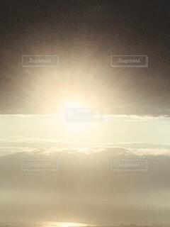 天国に届きそうな空の写真・画像素材[4156245]