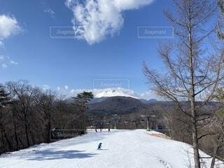 スキー場からの浅間山の写真・画像素材[4156077]