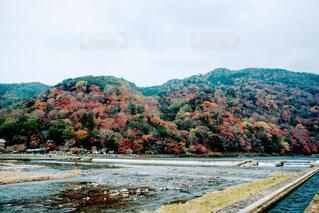 背景の山と水体の写真・画像素材[1002911]