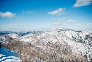 雪に覆われた山の写真・画像素材[1002917]