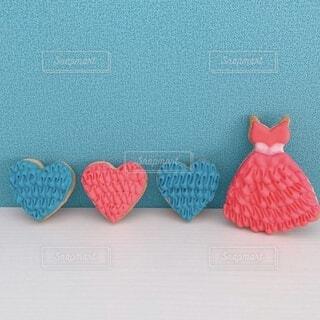 ピンクのドレスとお揃いのハートの写真・画像素材[4164262]