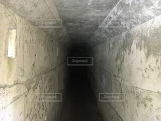 先の見えない道の写真・画像素材[4189166]