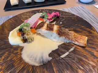 コース料理の魚料理の真鯛の写真・画像素材[4262385]