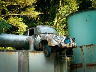 ヤードに放置された廃車の写真・画像素材[4183329]