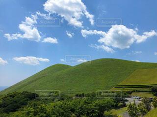 青空と鬼岳の写真・画像素材[4322660]