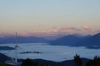 山頂から見る雲海の写真・画像素材[4325527]