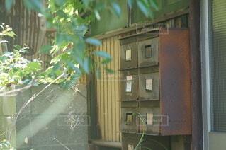 打ち捨てられた木造賃貸アパートの写真・画像素材[4768697]