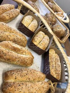 パンは焼きたてが一番!の写真・画像素材[4190610]