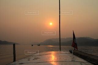 メコン川、大河に沈む夕日の写真・画像素材[4198235]
