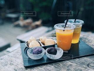 最中を食べてひと休みの写真・画像素材[4202239]