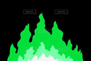 緑の炎のラインエフェクトの写真・画像素材[4773528]