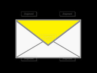 メール(黄色)の写真・画像素材[4833620]