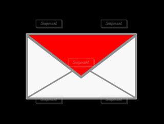 メール(赤)の写真・画像素材[4833625]