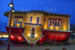 逆さまの家の写真・画像素材[4209727]