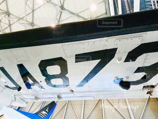 展示された航空機の翼部分の写真・画像素材[4387559]
