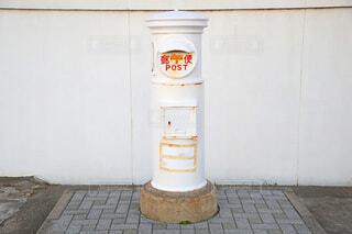 犬吠埼灯台の白いポストの写真・画像素材[4774537]