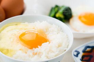 朝の食卓風景の写真・画像素材[4232233]