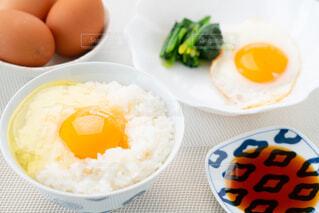 朝の食卓風景の写真・画像素材[4232234]