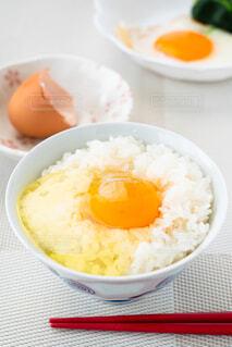 朝の食卓 卵かけご飯の写真・画像素材[4232245]