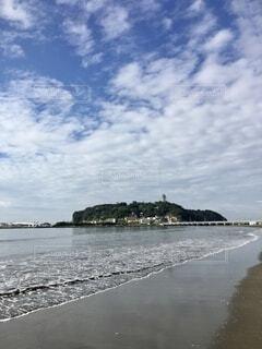東浜から江ノ島を望むの写真・画像素材[4837137]