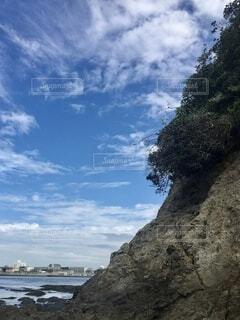 江ノ島の岩場と崖の写真・画像素材[4839294]