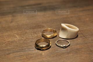 お気に入りのリングをクローズアップの写真・画像素材[4224010]