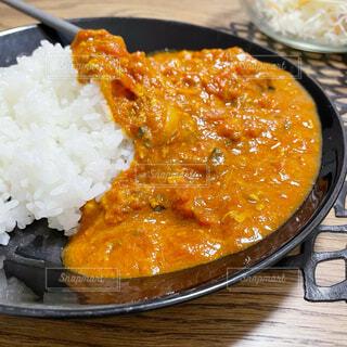 皿の上の食べ物の写真・画像素材[4310611]