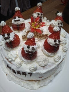 子供が作ったクリスマスケーキの写真・画像素材[4255861]