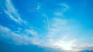 ひこうき雲の写真・画像素材[4258982]