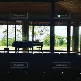 ピアノのある風景の写真・画像素材[4261520]