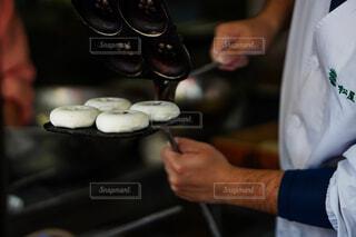 饅頭職人さんのひとコマの写真・画像素材[4258809]