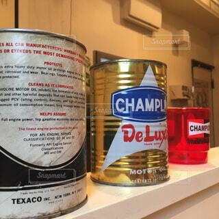 レトロな缶の写真・画像素材[4268923]
