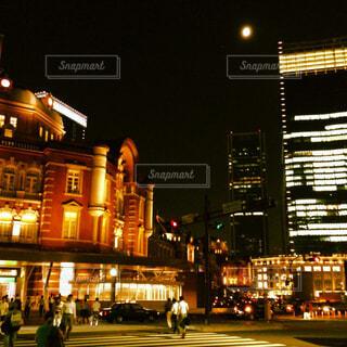 夜の東京駅の写真・画像素材[4271159]