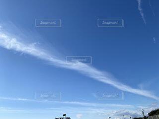 長細い雲の写真・画像素材[3646175]