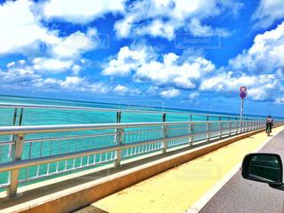 伊良部大橋と海の写真・画像素材[1388139]