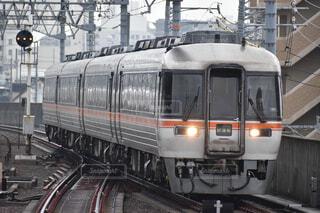 関西線を行くキハ85系試運転列車の写真・画像素材[4285662]