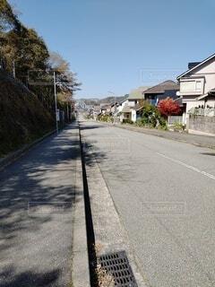 住宅街の道路の写真・画像素材[4336957]